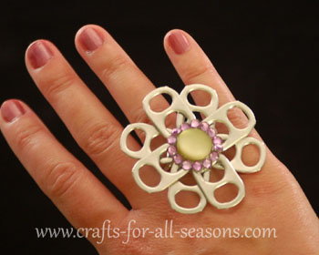 Crafts Made with Can Tabs http://www.crafts-for-all-seasons.com/pop-tab-craft.html