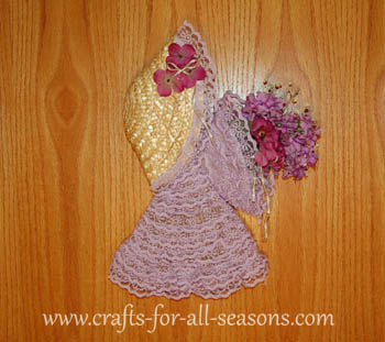 Straw Hat Craft Ideas http://www.crafts-for-all-seasons.com/broom-flower-girl.html