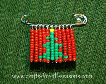Christmas tree beaded safety pin2