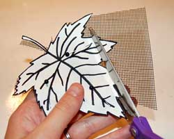 cutting leaf patterns from the screen