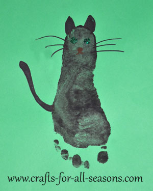 1000 images about preschool hand foot print art ideas for Cat art and craft