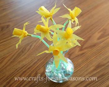tissue daffodils