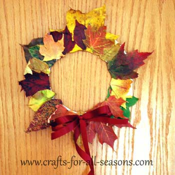 Autumn leaf wreath for Fall craft ideas for seniors