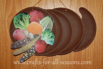Paper plate cornucopia for Harvest crafts for kids